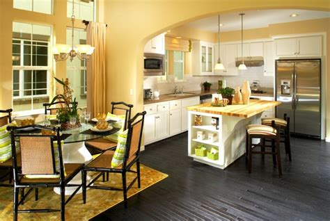 Yellow Walls And Gray Floor Cocinas Pintadas Con Los Colores De Moda 50 Ideas