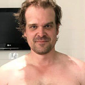 david harbour s transformation to become