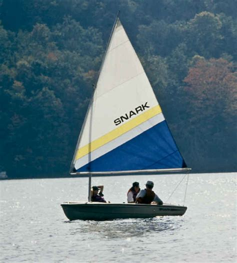 sailboat manufacturers rowing boat plans daysailer manufacturers biili boat plan