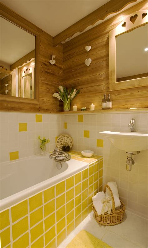 Yellow Tile Bathroom Ideas by 23 Cool Yellow Bathroom Design Ideas Interior God