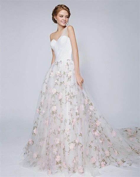 Wedding Dress Flower by 25 Best Ideas About Floral Wedding Dresses On