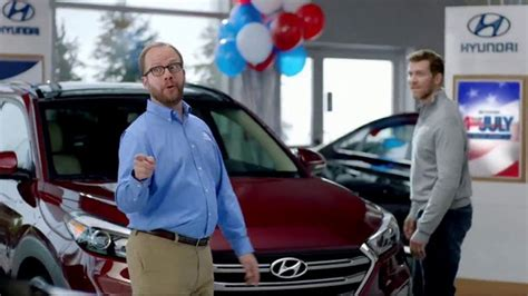 hyundai commercial actress with football hyundai 4th of july sales event tv commercial any new