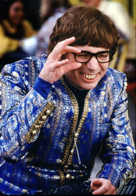 mike myers oh behave oh behave austin powers turns up at anfield metro news