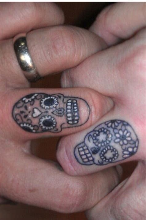 skull tattoo on finger wedding ring skulls ring wedding skulls