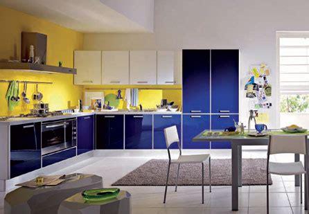 colori per cucina soggiorno imbiancare cucina soggiorno ambiente unico con arredo moderno