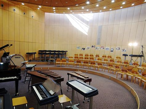 in this room song file yamanashigakuin elementary school room 2011 jpg wikimedia commons