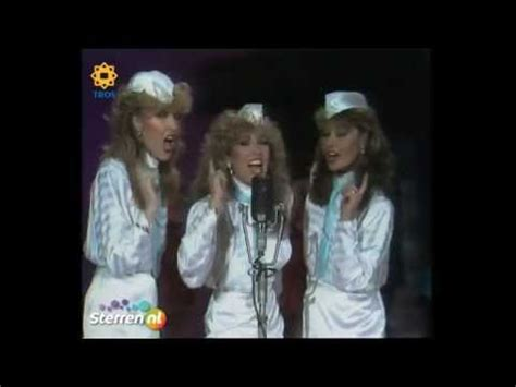 star sisters swing medley star sisters andrews sisters medley stars on 45