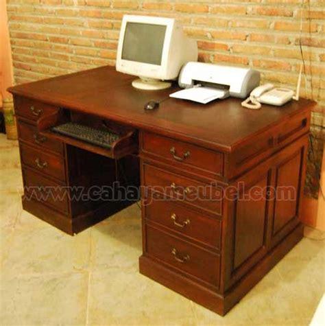 Meja Kantor Dari Kayu meja kantor kayu jati jual meja kantor minimalis jati model terbaru cahaya mebel jepara