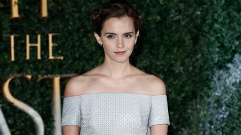 Vanity Fair Controversy by Watson Finally Addresses Photo Shoot Controversy