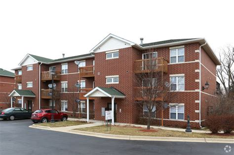 fox place apartments rentals charles il