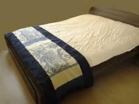 chemin de lit quot b quot toile de jouy textiles et