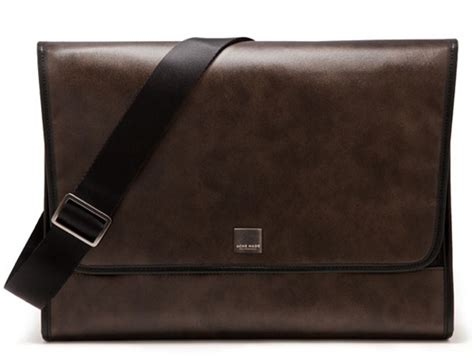 Jtote Makes Stylish Laptop Bags by Acme Made S The Clutch Designer Macbook Laptop Bag Tools