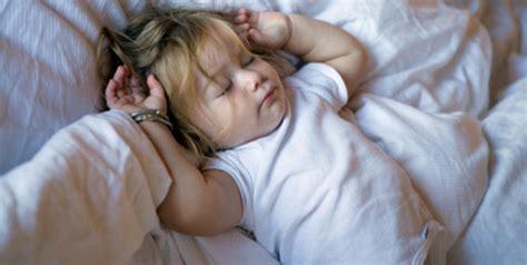 dormir sin lgrimas psicologa b00606of2m dormir sin lagrimas ser padres es facilisimo com