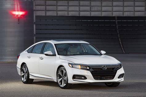 Honda Accords by 2018 Honda Accord Debuts With Turbo Engines 10 Speed