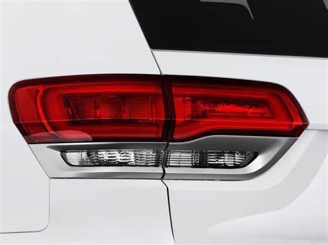 2017 jeep grand cherokee tail lights image 2017 jeep grand cherokee summit 4x4 tail light