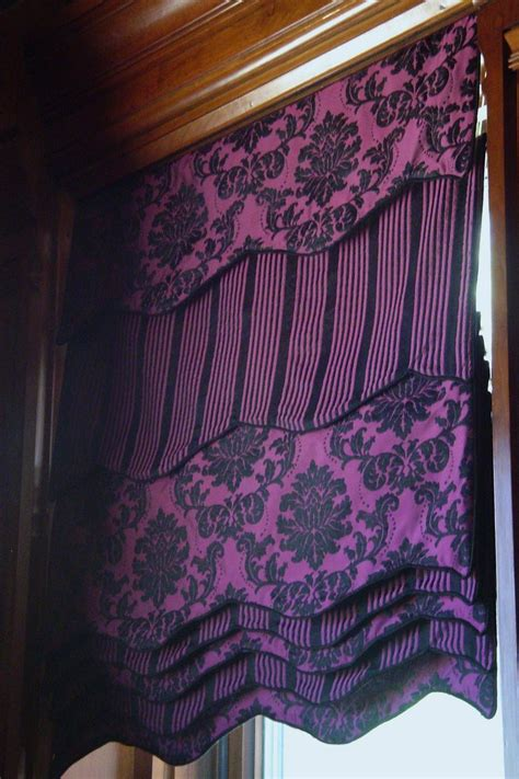 how mary layered roman blinds and curtains in her bedroom pin by linda sue on draperies inside out pinterest
