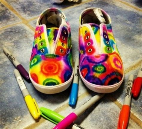 show stopping sharpie tie dye shoes free tutorial