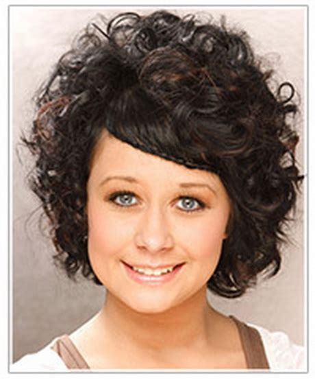 curly hairstyles for round faces over 40 curly short hairstyles for round faces