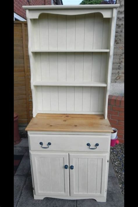 painting a welsh dresser with chalk paint 17 best images about anne sloan old ochre on
