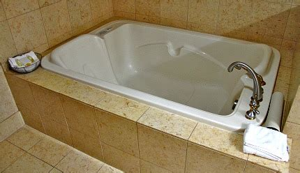 hotels with bathtub for two hotel rooms with jacuzzi 174 suites hot tubs excellent