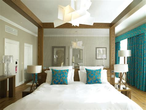 teal accents bedroom home design idea bedroom decorating ideas using teal and