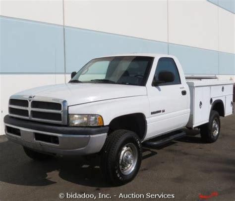 purchase used dodge 2500 ram 4x4 utility work truck v8