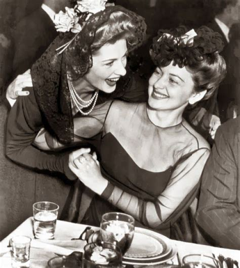 olivia de havilland and joan fontaine classic hollywood pinterest