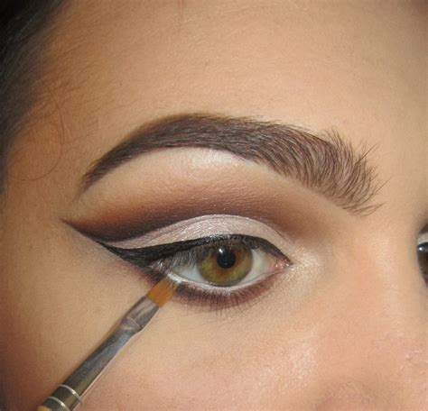 Eyeshadow A classic cut crease 183 how to create a cut crease eye makeup look 183 on cut out keep