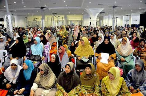 Bolehkah Wanita Datang Bulan Masuk Masjid Solat Dengan Pakaian Kotor Dan Wanita Haid Duduk Di Masjid