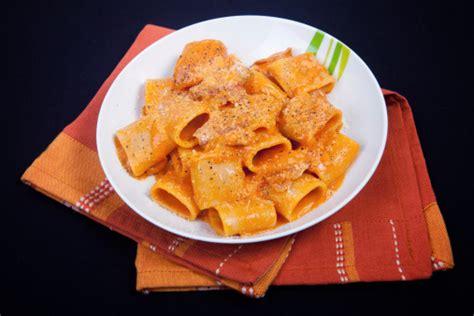 cucina veloce ed economica cucina estiva pasta con crema di peperoni facile
