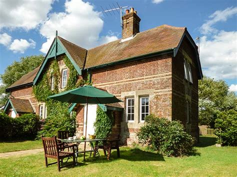 Cottages Including Ferry by Ferry Cottage In Orford This Semi Detached Cottage Is