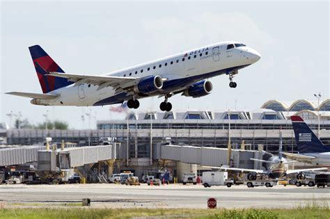 delta reports 20 drop in air cargo revenue wsj