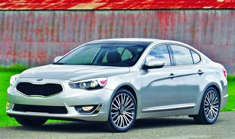 Kia Cadenza Competitors Kia Reaches For Luxury Buyers With Its All New Cadenza