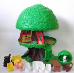 Little People Treehouse - vintage kenner family tree house tree tots
