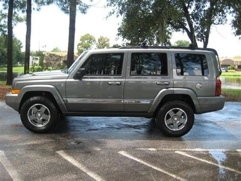 Jeep Commander 4x4 I Like A Lifted Jeep Commander Sport 4x4 Cars Bikes
