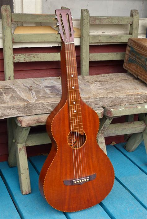 Hilo Join 1 pics two 20s hawaiian sopranos a 30s gibson and a hilo guitar
