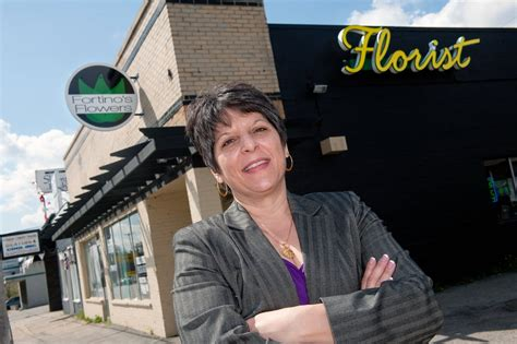 Florist Pontiac Mi by Fortino S Flowers Gifts 23 Photos Florists 220 S