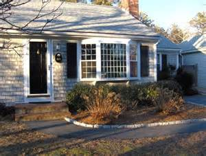 Cape Cod Windows Inspiration Bay Windows On Cape Cod House Cool Things