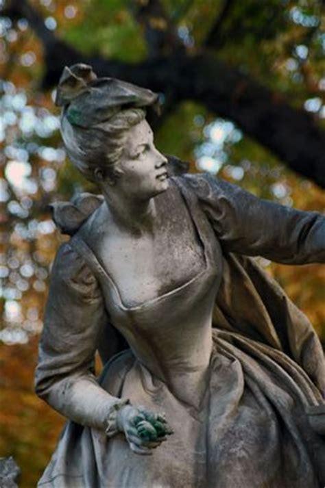 quelques statues du jardin du luxembourg a ou ailleurs