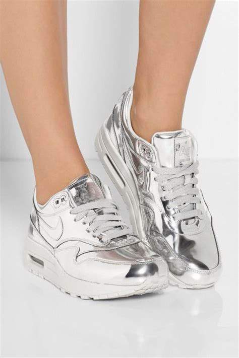 imagenes zandalias nike shiny silver nike air max sneakers pictures photos and
