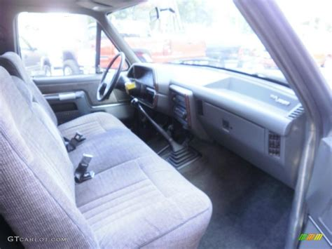 1991 Ford F150 Interior by 1991 Light Smoke Metallic Ford F150 Lariat Regular Cab 4x4 32466811 Photo 4 Gtcarlot