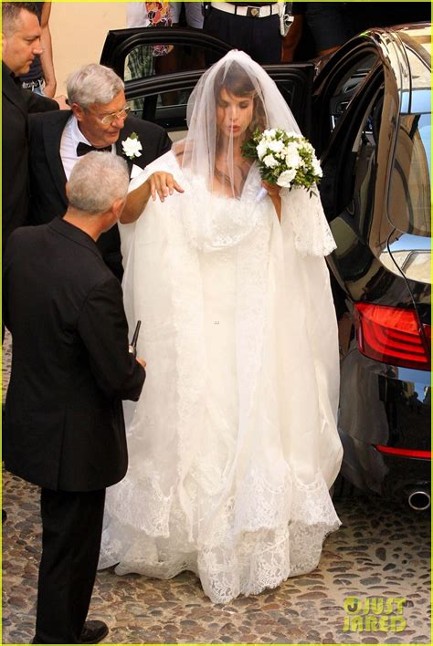 elisabetta canalis wedding dress full sized photo of elisabetta canalis marries brian perri