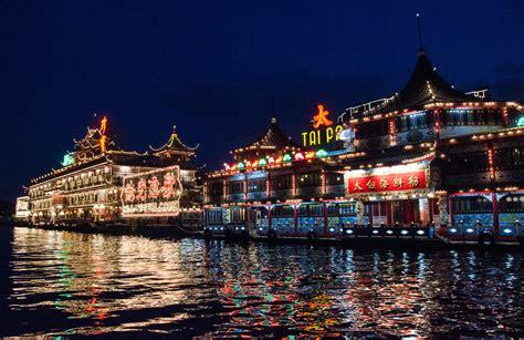 jumbo kingdom hong kongs massive floating restaurant