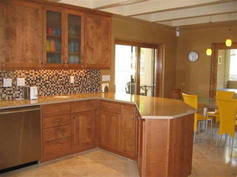 Kitchen Wall Colors With Oak Cabinets | kitchen wall color ideas with oak cabinets think