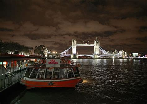 thames river lights cruise out about jan 26 01 17 melan mag