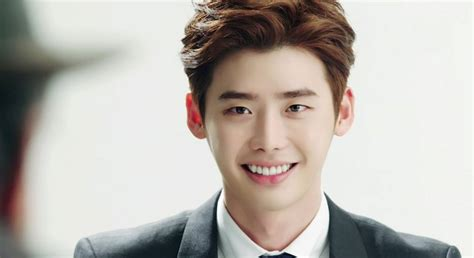 film yang dimainkan lee jong suk dan park shin hye lee jong suk worried about his body after pinocchio