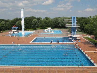 Schwimmbad Hohen Neuendorf by Strassen24 De Das Deutschlandweite Portal Grugabad