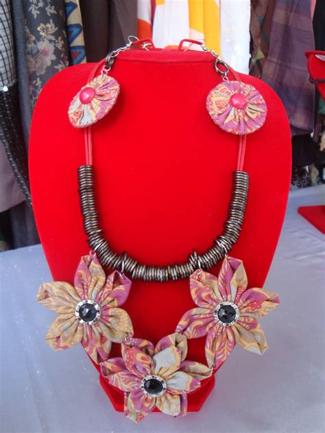 Kalung Batik Bross 31 kreasi dari perca perca kreasi kalung flower batik