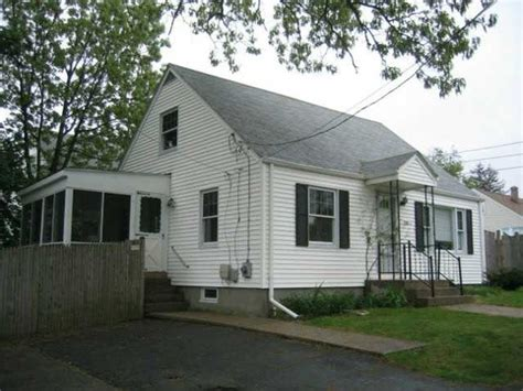 80 gleason st cranston ri 02910 foreclosed home