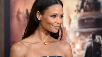 starbucks apologizes to thandie newton for offensive